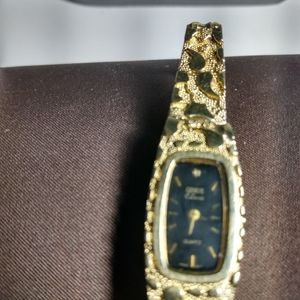 Vintage GENEVE  Classic 10 K nugget woman's watch